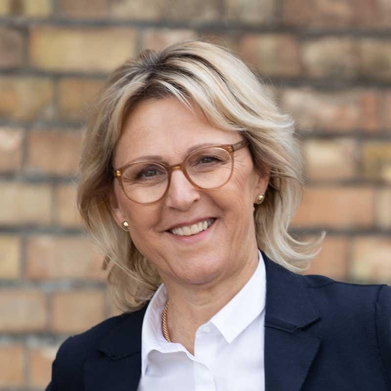 Über uns: Rita Monika Niederberger, Leiterin der Visionären Erfolgs-Akademie